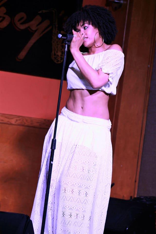 Demetria McKinney perform at Kelsey's Soul Session