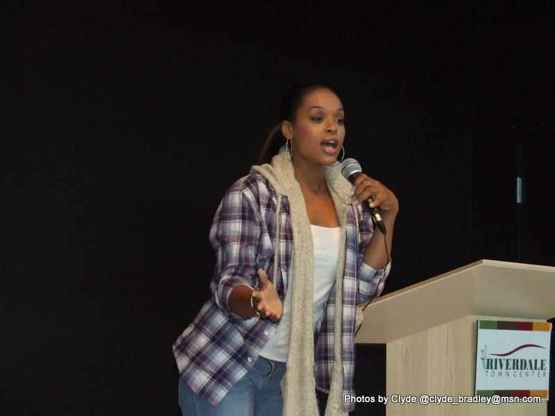 "Demetria McKinney Spoke At The ""Black Women's Roundtable"""