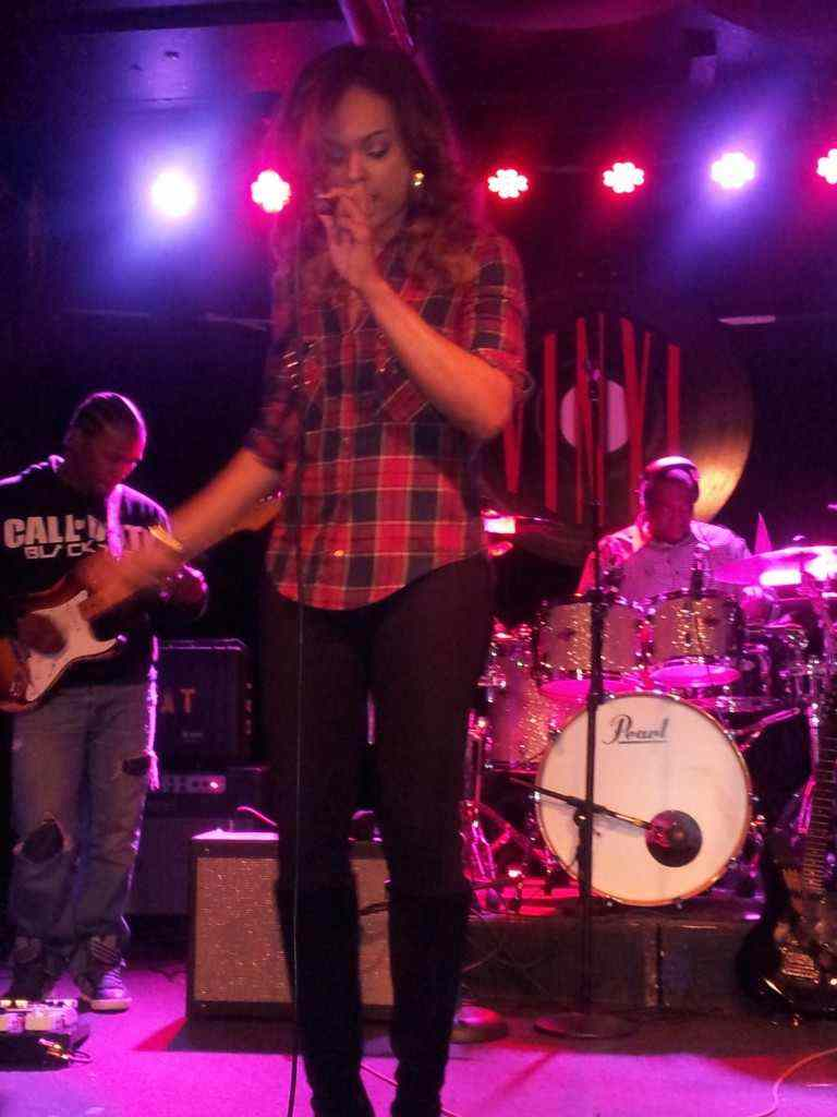 """Demetria McKinney Performing 'Sweet Thang' At """"Anthony David & Friends Soul Session"""" At Vinyl"""